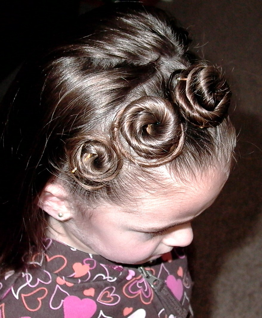 Little Girl Hairstyle Youtube: Little Girl's Hairstyles: Rosette Headband Hairstyle Video