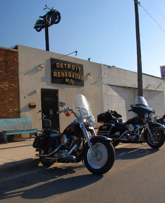 JOIN A DETROIT MOTORCYCLE CLUB