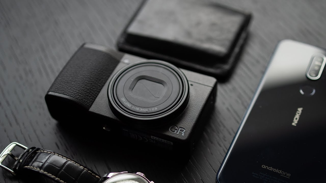 5 Reasons to Buy a Ricoh GRIII - The Street King Is Back!
