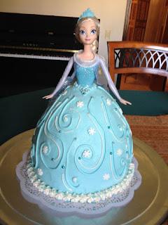 kue ulang tahun frozen elsa