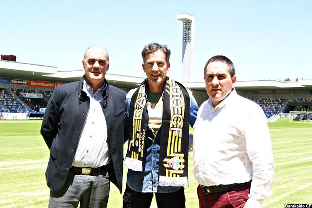 Larrazábal posa con Orlando Sáiz e Iñaki Zurimendi