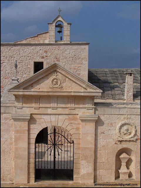 Eglise tête de mort à Cisternino
