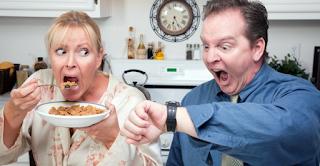 Αυτές οι 10 τροφές που σας γερνάνε πρόωρα