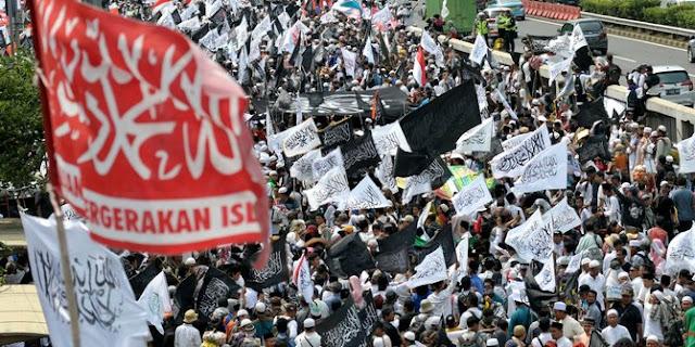 "Demo 299, Massa FPI dan HTI Terus Teriakkan ""Khilafah"""
