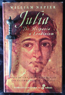 Portada del libro Julia, de William Napier
