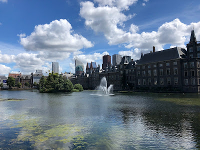 The Hague and Hofvijver (pond).