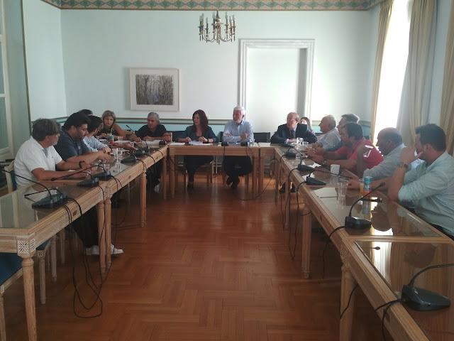 Σύσκεψη στην Περιφέρεια Πελοποννήσου για την μεταφορά των μαθητών