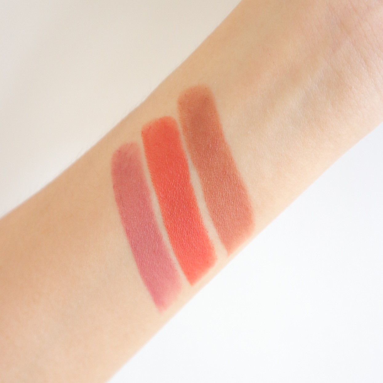 Maybelline Almond Pink Toasted Brown Chili Nude Swatch Review Intimatte Lipstick