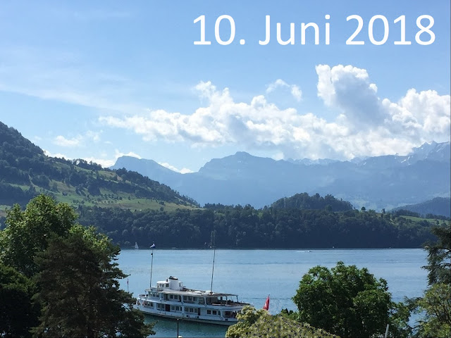 Mit Motorschiff an einem Sonntag im Juni