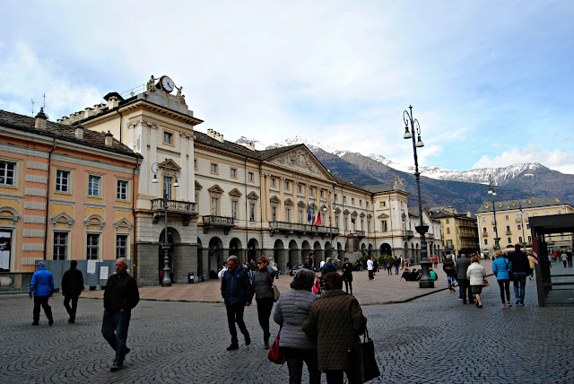 Aosta, cosa vedere, teatro romano aosta, aosta in un giorno, itinerario ad aosta