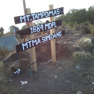 "Carita Dongeng Sasakala ""Gunung Tampomas"""