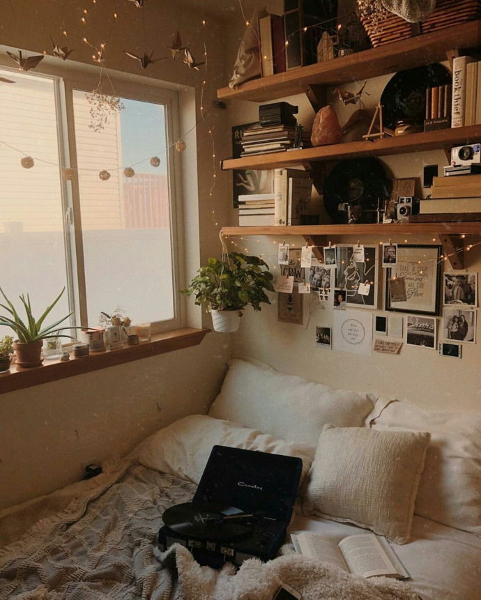 These Bedrooms are Dripping With Cozy- design addict mom #plants #bedroom