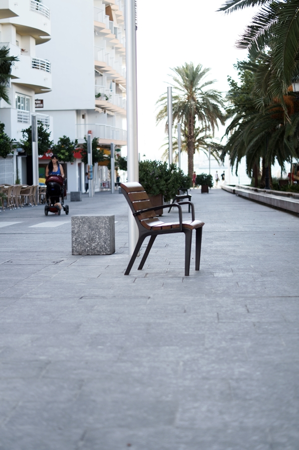 Blog + Fotografie by it's me! - Reisen - La Isla Blanca Ibiza, Santa Eularia - Weg zur Strandpromenade