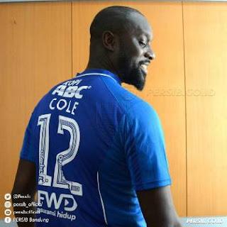 Coret Carlton Cole, Persib Bandung Bakal Rekrut Striker Baru