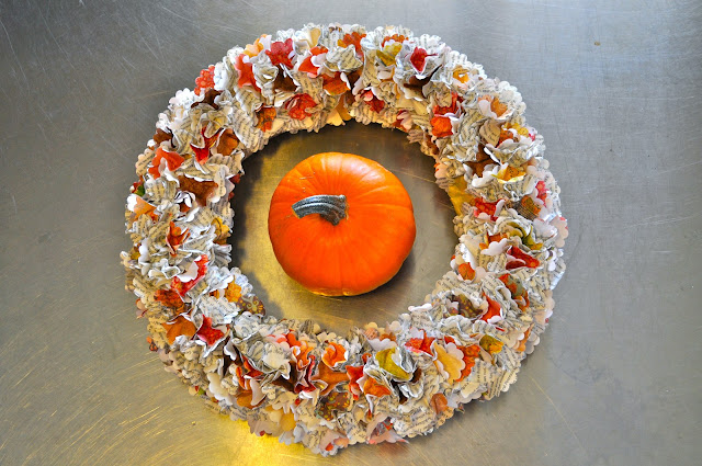 How to make a paper Thanksgiving wreath