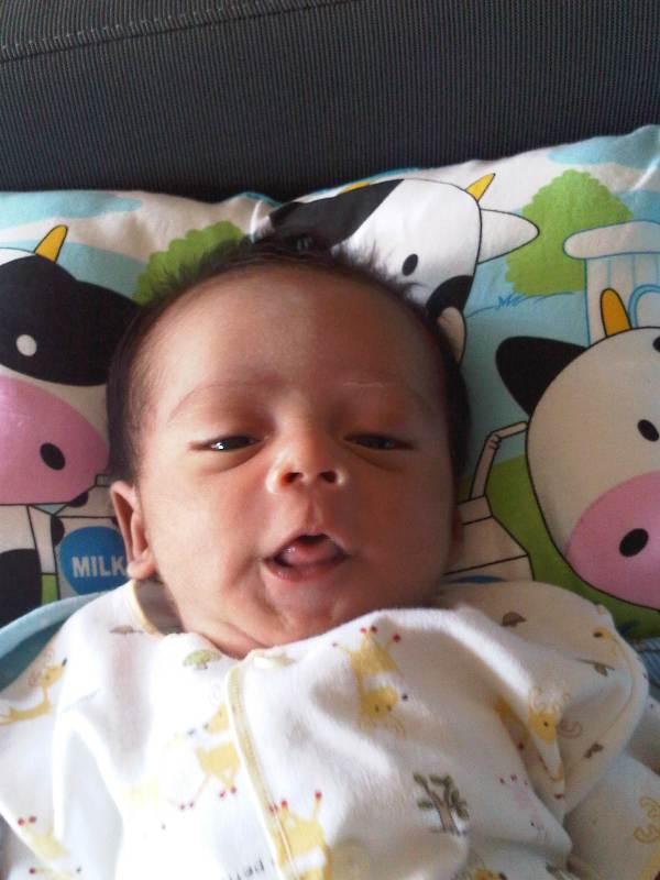Penyebab Berat Badan Bayi Tidak Naik dan Solusinya