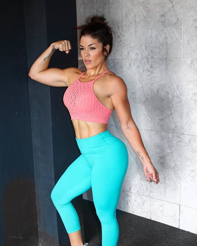 Suse Urrutia Female fitness and bodybuilding
