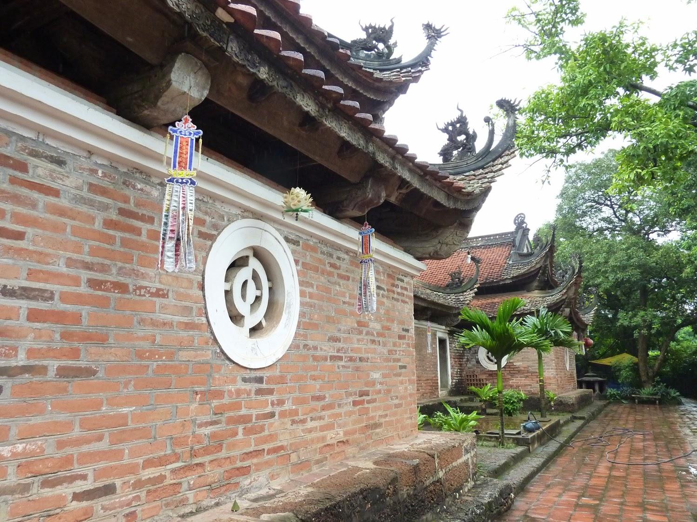 Chua Tai Phuong, ladrillo, thi y dragones
