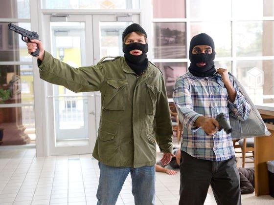 Hombre asalta un banco siguiendo tutoriales de Google