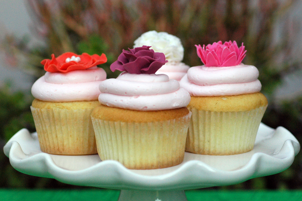99th Birthday Flower Cupcakes