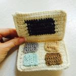 https://translate.google.es/translate?hl=es&sl=en&tl=es&u=http%3A%2F%2Fwww.annoocrochet.com%2F2015%2F11%2Feyeshadow-palette-and-ornament.html&sandbox=1
