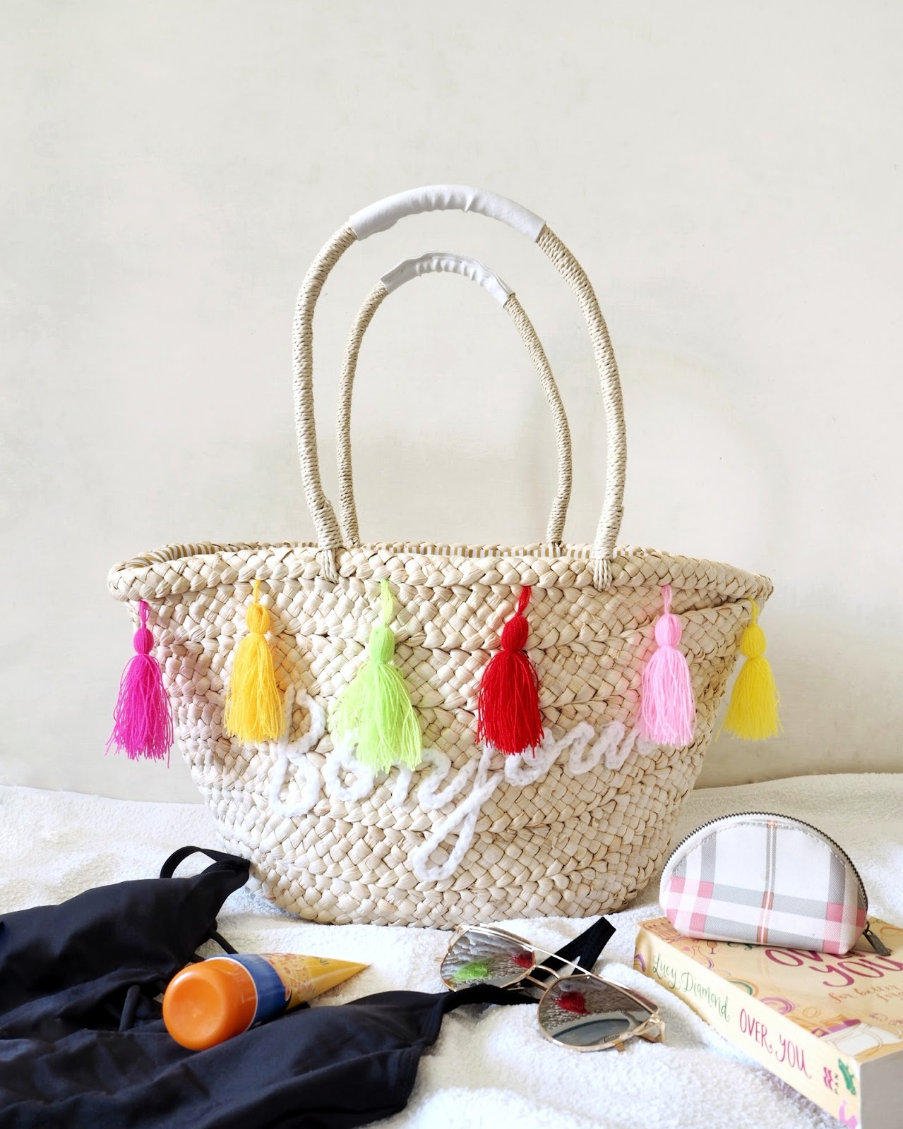 straw beach bag, rosegal straw bag, beach bag essentials