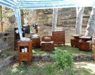 Muebles a la sombra en Sajazarra