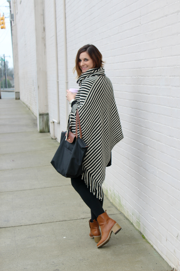 poncho, gray monroe, mom style, mom blogger, style on a budget