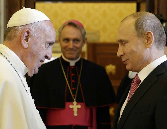 'Nova aliança Vaticano-Moscou' preanuncia dias difíceis para os fiéis católicos