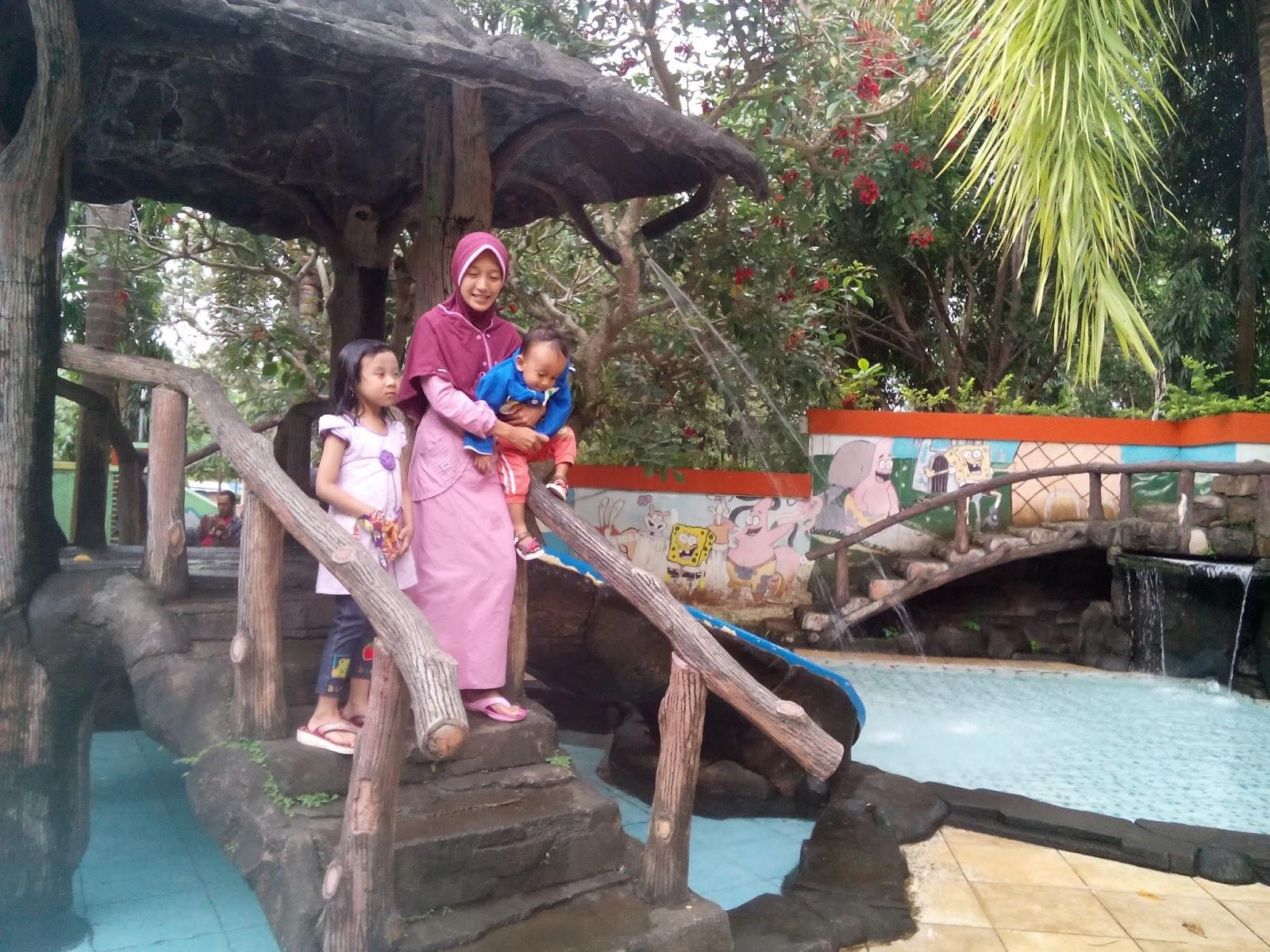 Mengajak Anak Berenang Ke Kampung Kopi Banaran Sekali Sekali Bolehlaah Rifan Fajrin