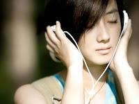 Kenapa Orang Galau Suka Mendengarkan Lagu Sedih?
