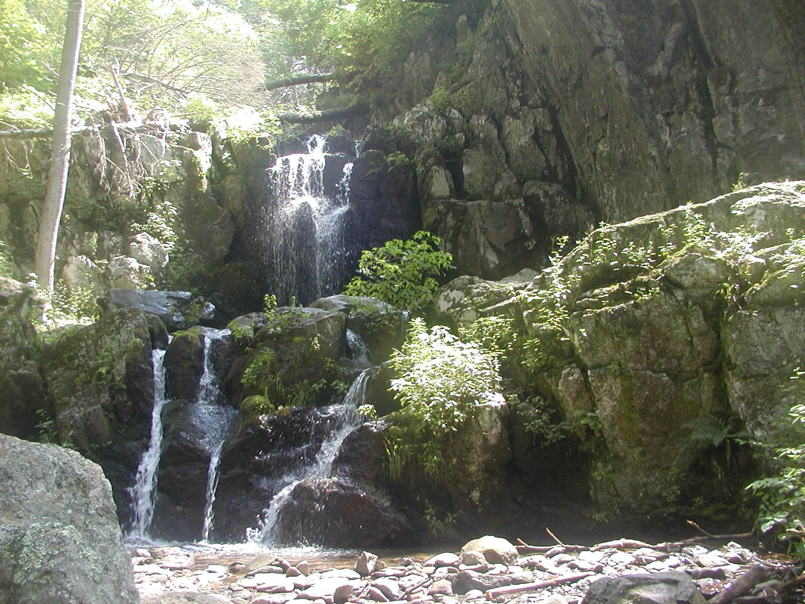 Blue Ridge Mountain Home: Waterfalls of Virginia