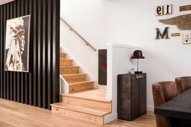 vách ngăn gỗ cầu thang- mẫu số 2