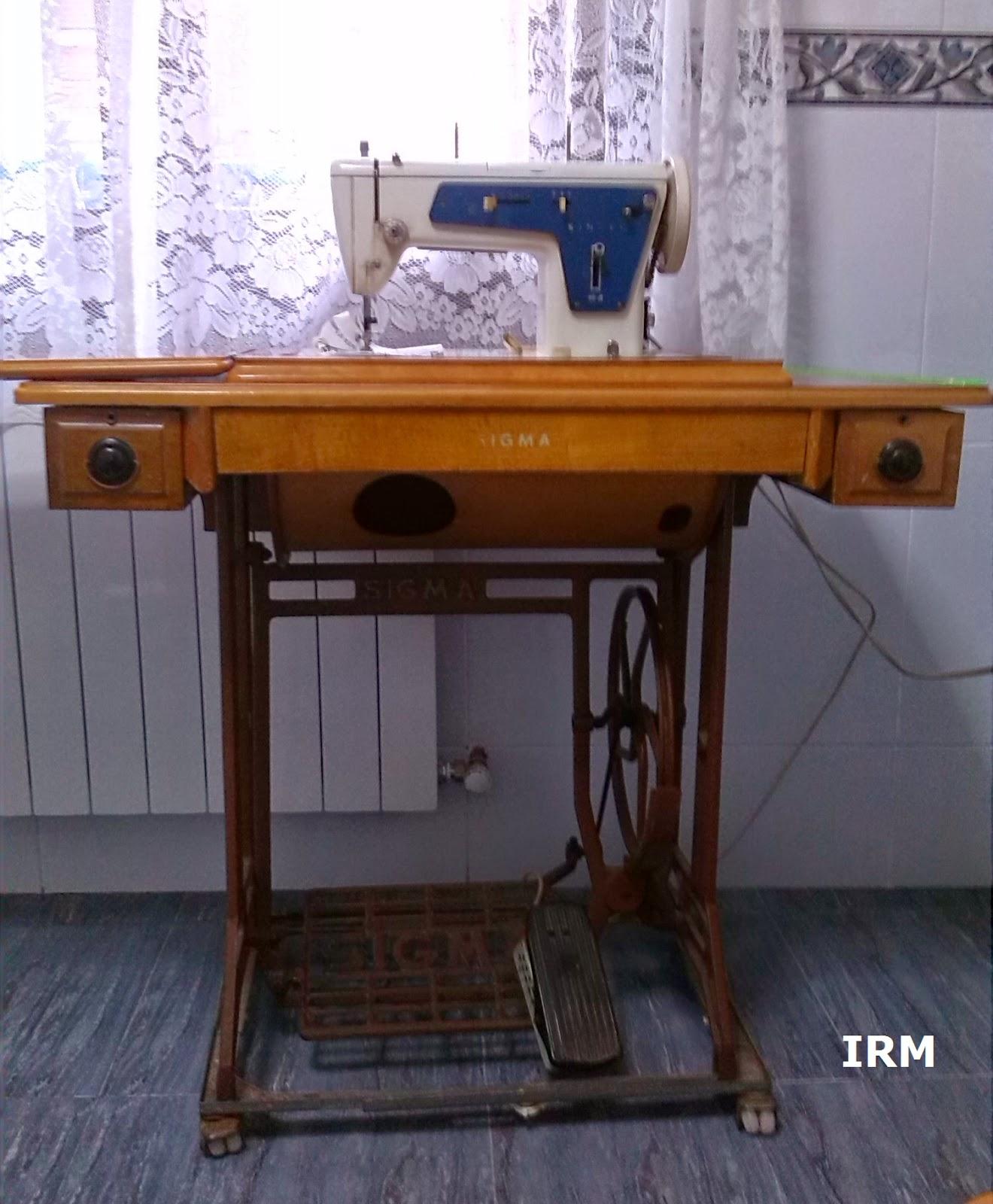 Avantales: Máquinas de coser