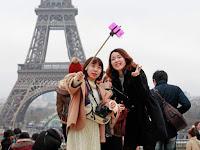 Perbedaan Antara Tongsis (Selfie Stick) dan Monopod