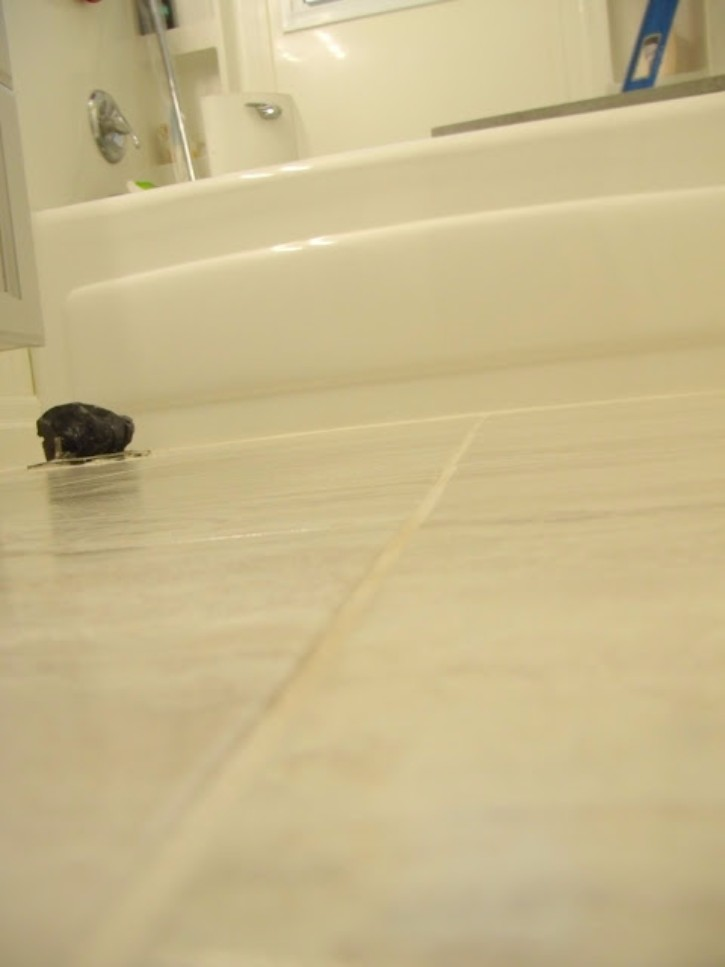 How to install peel and stick vinyl tile that you can for How to put down tile in bathroom