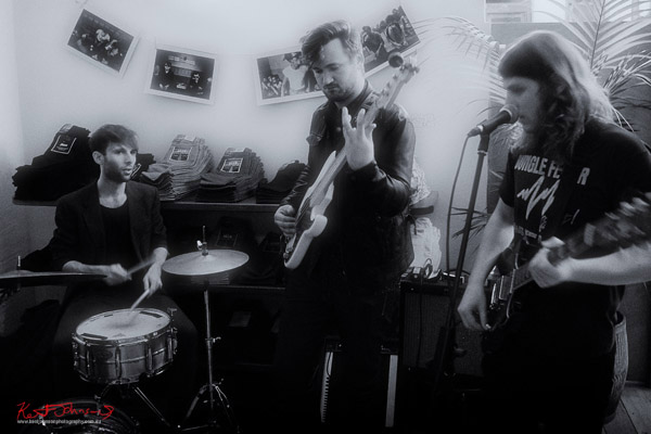 3 piece Band playing - black and white picture, Neuw Denim - Service Party