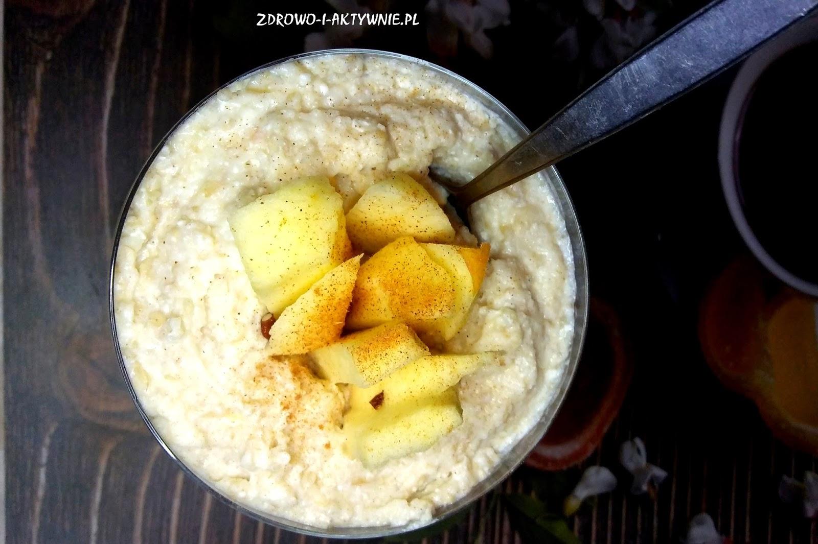 Pudding ryżowy z jabłkiem i orzechami