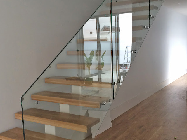 semi frameless glass balustrades Adelaide