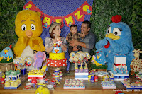 Aniversário de 1 ano do Lorenzo no Buffet Espaço Zoe - Tatuapé - SP, decoração Galinha Pintadinha, Assessoria Gina Araujo