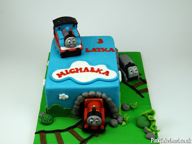 thomas and friends cakes london