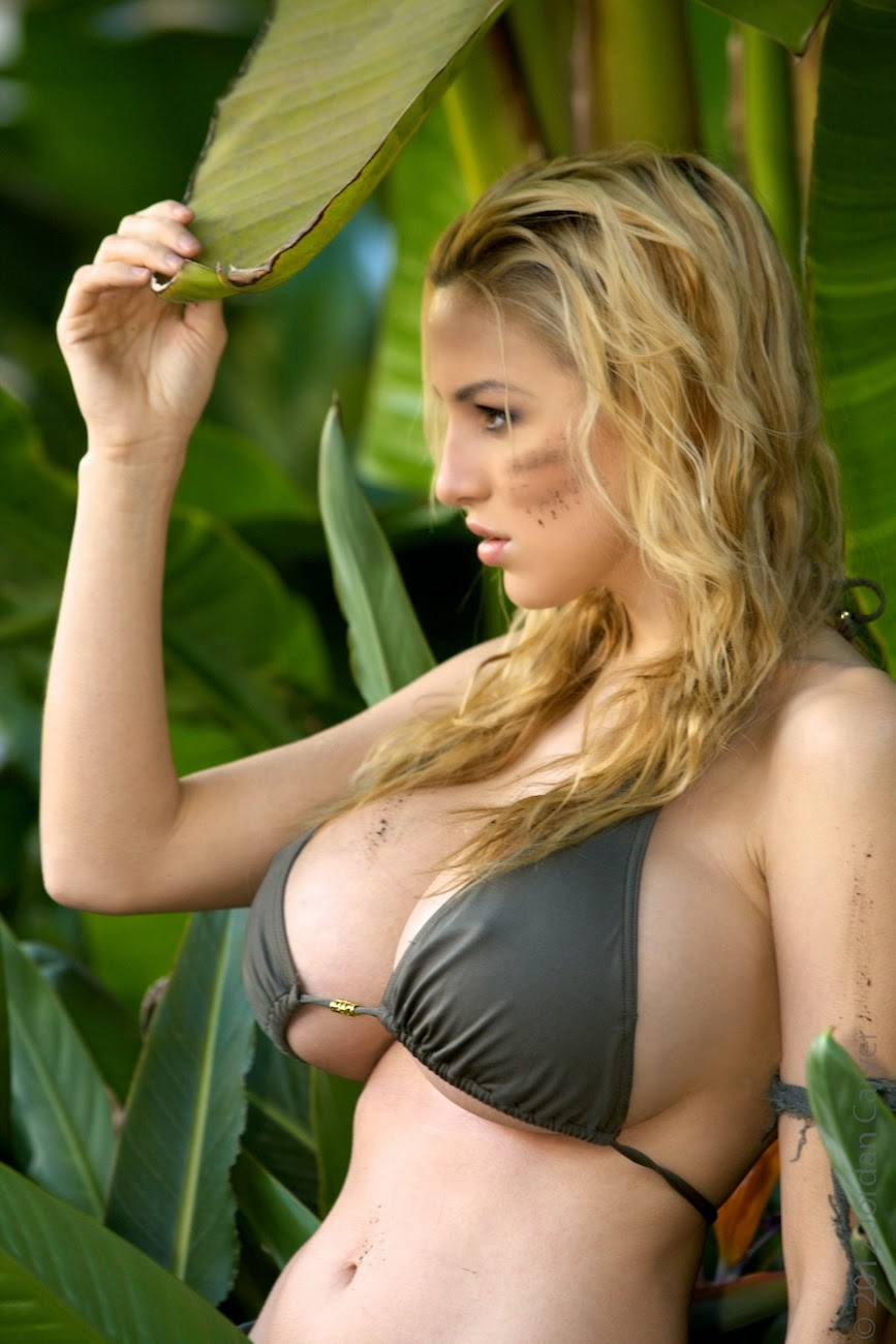 Hot Women With Huge Boobs