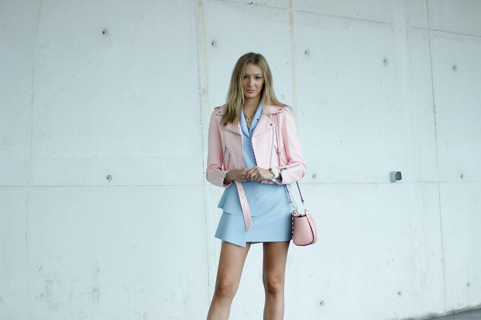 fashion-week-street-style-rosa-millenial-zara-biker