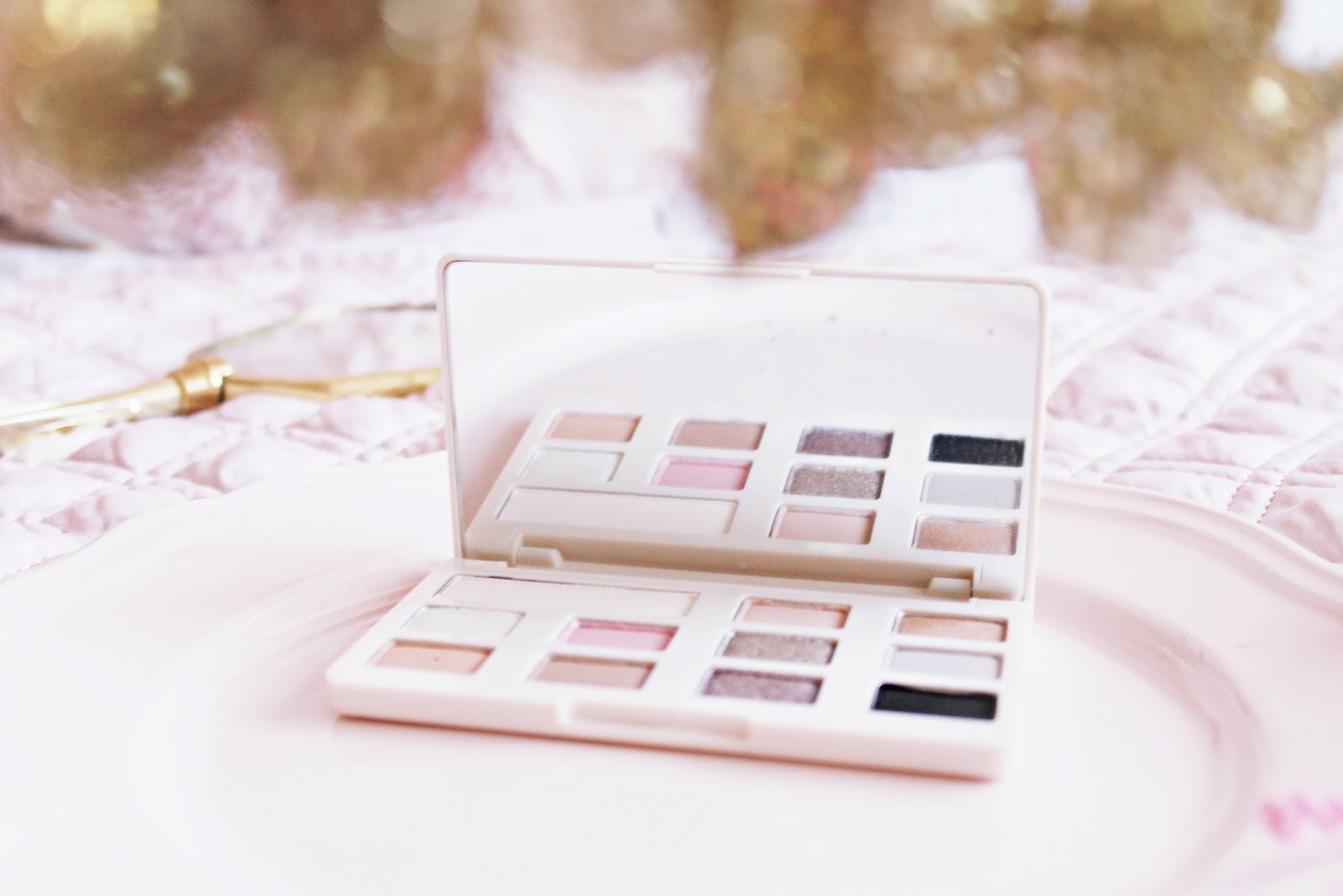 Too Faced White Chocolate Chip palette review and swatches