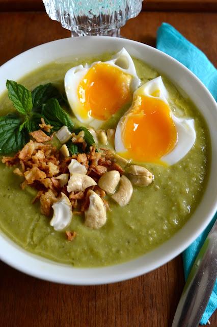 avokado-hernekeitto, cashew, yrtit, minttu, basilika, alkukeitto, keitto, kasvisruoka