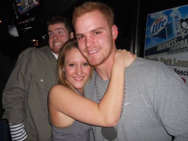 The Art Of Photobombing (21 Pics).