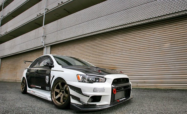 Modifikasi Mobil Mitsubishi Lancer terbaru