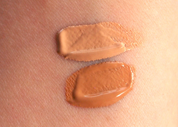 Swatches Continuous Acqua Foundation Skeyndor