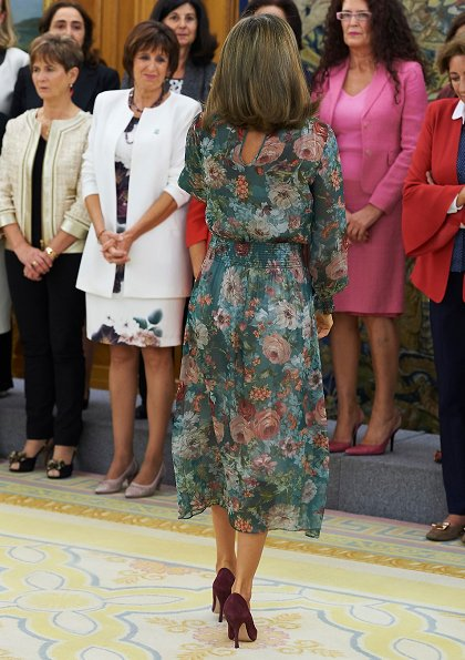 Queen Letizia wore Zara Printed Midi Dress, Coolook Jewelry Sila Earrings, Lodi suede Pumps at Aliber meeting