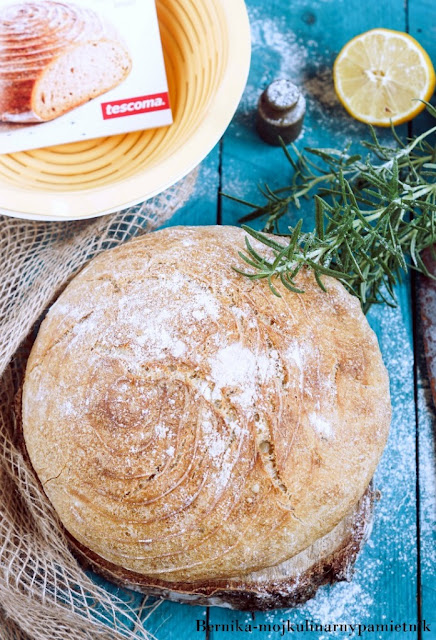 chleb, rozmaryn, cytryna, pieczywo, sniadanie, bernika, kulinarny pamietnik